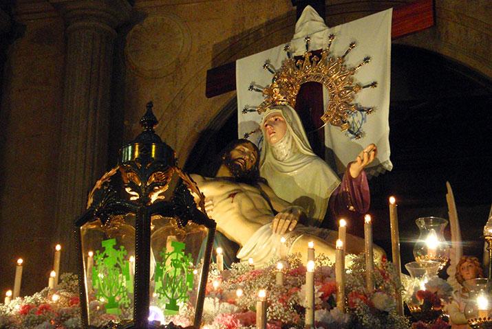Procesión del Santo Entierro en Albalate del Arzobispo